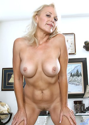 Mature Perfect Tits Porn Pictures