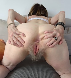 Mature Big Booty Porn Pictures