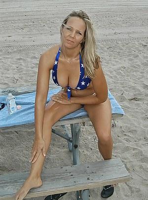 Mature Beach Porn Pictures