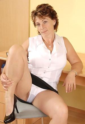 Mature Panties Porn Pictures